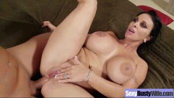 Porno anal com coroa peitudona