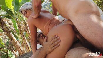 Xnxx loira pelada fazendo dupla penetração